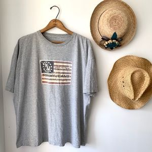 Tommy Jeans Tommy Hilfiger gray flag graphic tee